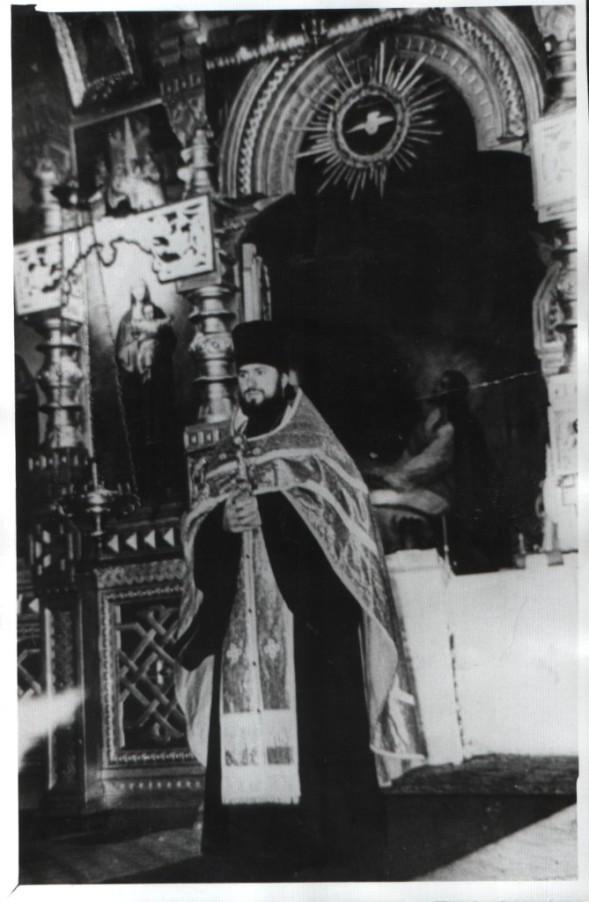 Предположительно-отец-Михаил-Кит-который-построил-каменную-церковь-ныне-существующую.