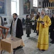 В Свято-Троицком храме прошла панихида по погибшим в катастрофе Ту-154