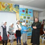 Принятие девочек в сестры милосердия при храме Новомучеников и Исповедников Российских